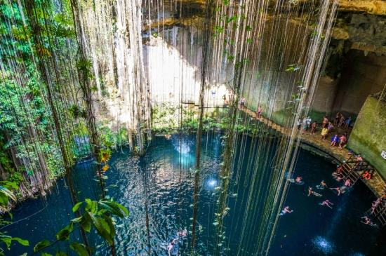 Ik-Kil Cenote (Cave Pool), Yucatán, Mexico