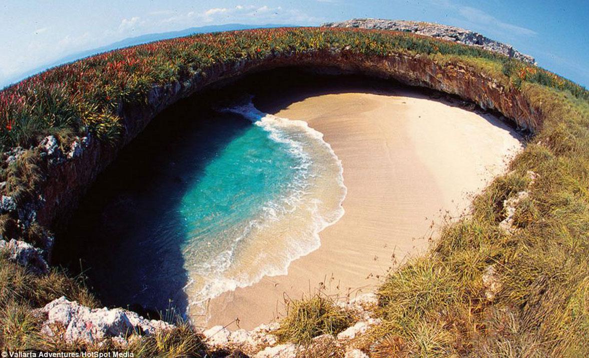 secret beach mexico