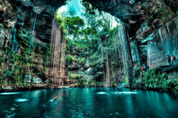 23 Breathtaking Natural Pools Around the World You Have to See