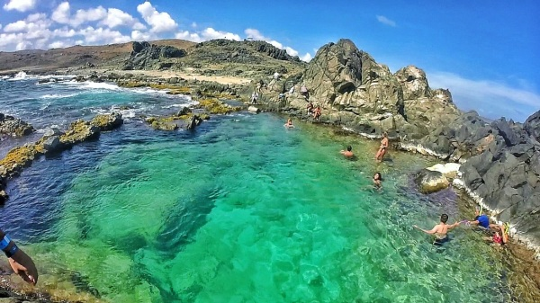 24 Breathtaking Natural Pools Around the World to Inspire Serious Wanderlust