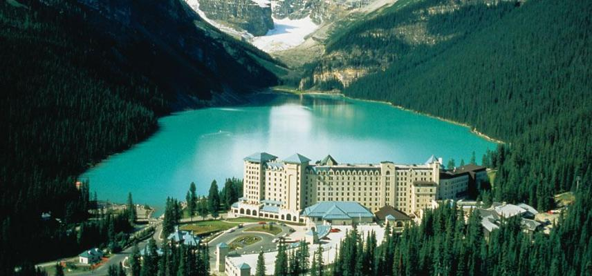 Fairmont Chateau Lake Louise, Alberta, Canada I Room Service: 15 Hotels Around the World With Spectacular Views