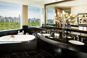 Mandarin Oriental, New York City I Room Service: 15 Hotels Around the World With Spectacular Views