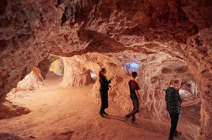 Desert Cave Hotel, Coober Pedy, Australia I 7 Cave Hotels to Get Cozy In This Fall
