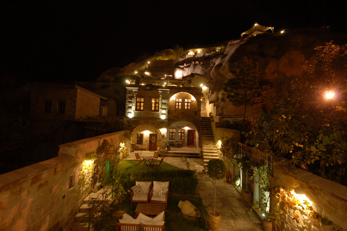 Traveller's Cave Hotel, Göreme, Cappadocia, Turkey I 7 Cave Hotels to Get Cozy In This Fall