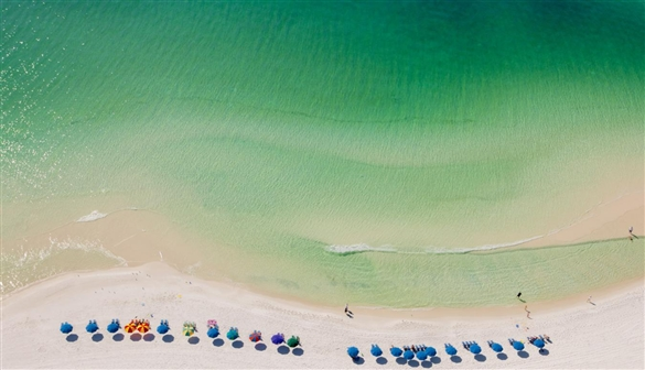 Destin Beach, Florida I 5 Places to Find Tropical Turquoise Water Beaches - Without Leaving the United States I {un}covered