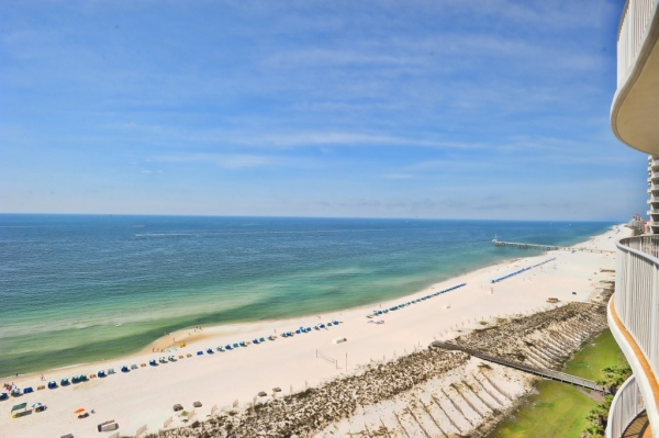 Orange Beach, Alabama I 5 Places to Find Tropical Turquoise Water Beaches - Without Leaving the United States I {un}covered
