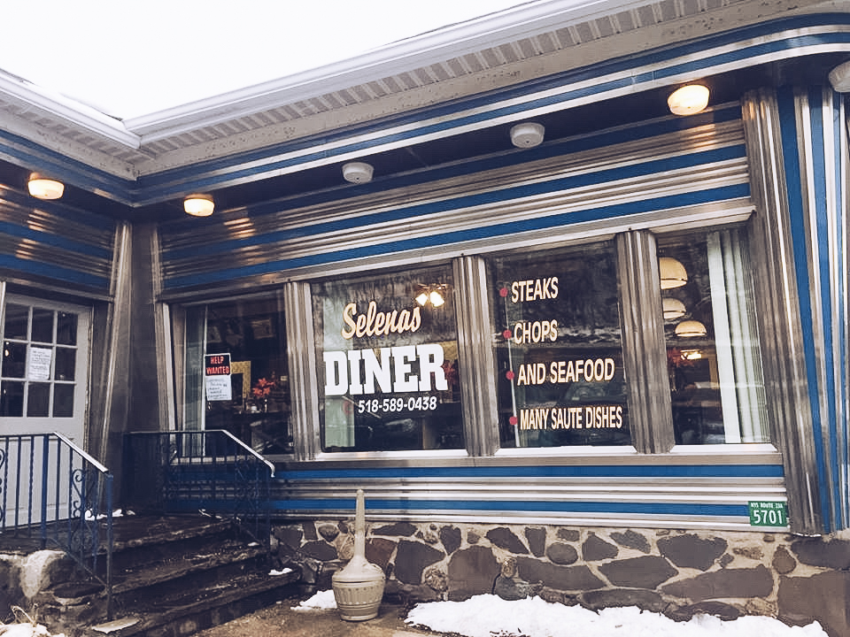 Selena's Diner, Tannersville I Catskills Travel Guide: A Wintry Weekend Escape From NYC I {un}covered