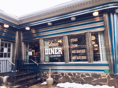Selena's Diner, Tannersville I Catskills Travel Guide: A Wintry Weekend Escape From NYC I Traveling Lamas