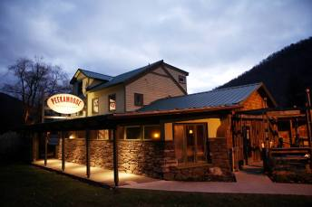 Peekamoose Restaurant & Tap Room I Catskills Travel Guide: A Wintry Weekend Escape From NYC I {un}covered