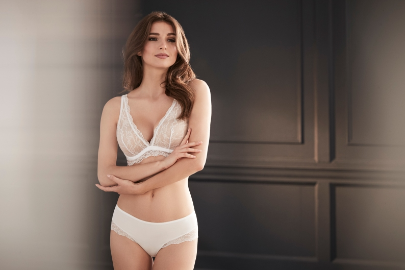 Perfect 10 Bra in Pearl by Le Mystére I One & Done: This is the Only Bra You Need to Pack on All of Your Summer Vacations