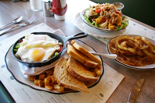Phoenicia Diner I Catskills Travel Guide: A Wintry Weekend Escape From NYC I {un}covered