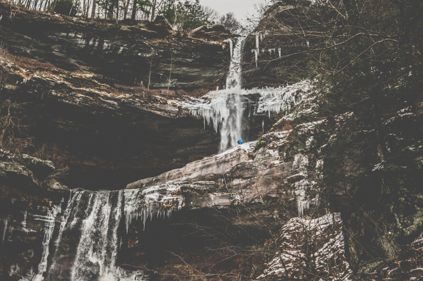 Kaaterskill Falls I Photo credit @travelinglamas I Catskills Travel Guide: A Wintry Weekend Escape From NYC