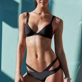 LA Hearts LUXE Seamless Fixed Triangle Bikini Top and Harness Skimpy Bikini Bottom in Black I 15 Trés Chic Little Black Bikinis Under $100 I {un}covered