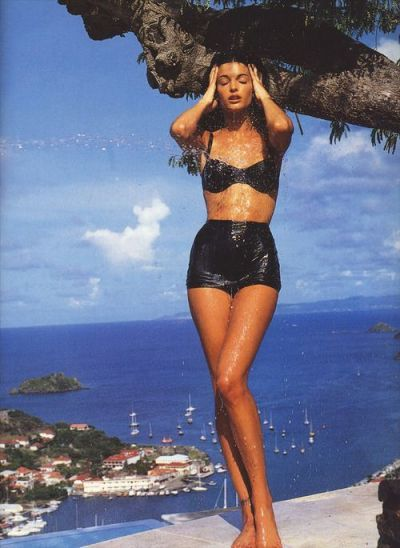 Stephanie Seymour x Patrick Demarchelier for VOGUE Italia, July '92 I 14 Trés Chic Little Black Bikinis Under $100 I {un}covered