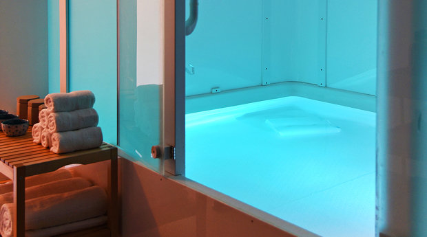 Chill Space NYC Floatation Therapy I These 3 New Mind + Body Hot Spots in NYC Are Helping You Relax, Reflect and Chill (Literally) I {un}covered