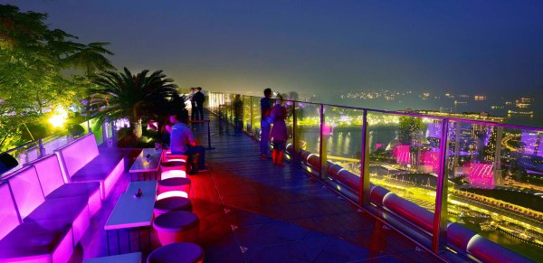 1 Altitude Bar, Singapore I Cocktails in the Clouds: These Are the Most Jaw-Dropping Sky Bars Around the World I The Wander Life