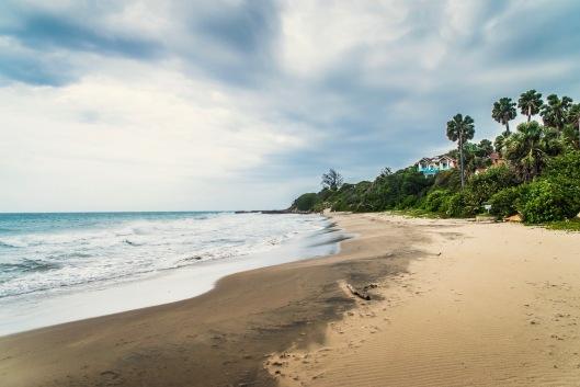 Frenchman's Bay at Treasure Beach / photo credit @travelinglamas