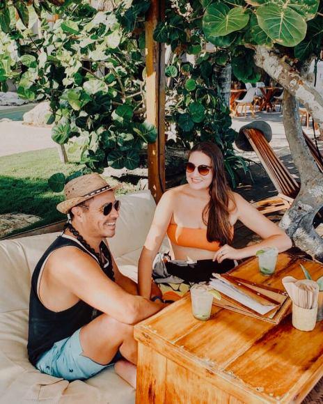 Alberto & Lauren Lama in Tulum, Mexico / @travelinglamas