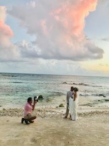 Alberto Lama / Destination Wedding & Portrait Photographer in the Riviera Maya, Mexico / Traveling Lamas