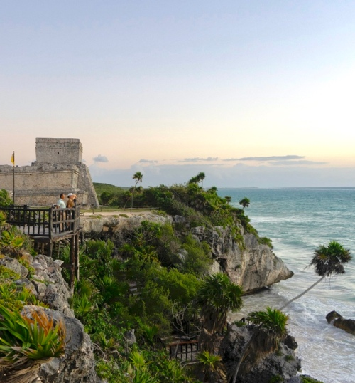 How to Visit The Tulum Mayan Ruins at Sunrise (And Have Them All to Yourself!) / Traveling Lamas / photo by @foot_and_flight