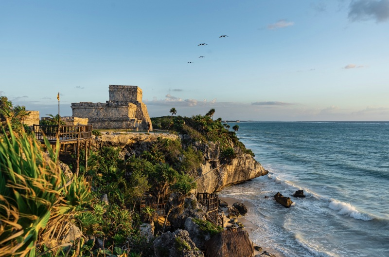 How to Visit The Tulum Mayan Ruins at Sunrise (And Have Them All to Yourself!) / Traveling Lamas / photo by @travelinglamas