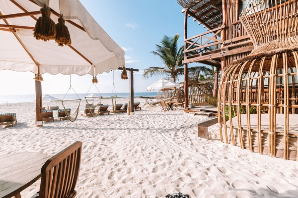 Your Ultimate Guide to Tulum's Best Beach Clubs in 2020 (Post-Lockdown) / TravelingLamas.com / Photo courtesy of Hotelito Azul
