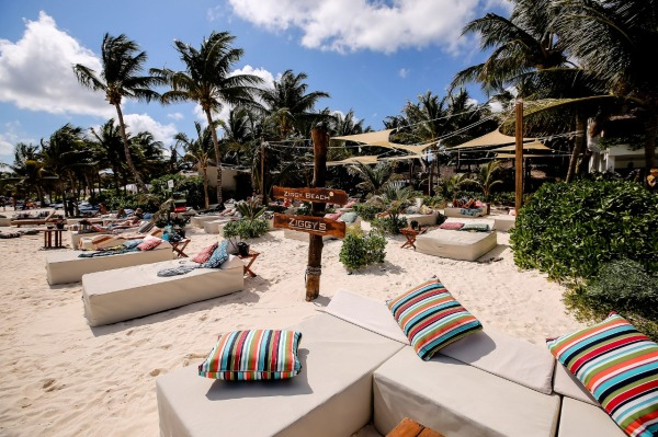 Your Ultimate Guide to Tulum's Best Beach Clubs in 2020 (Post-Lockdown) / TravelingLamas.com / Photo courtesy of Ziggy's
