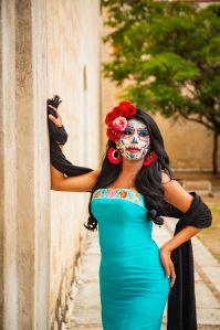La Catrina: Mexico's Grande Dame of Death / Día de Muertos (Day of the Dead) Photoshoot by@travelinglamas / TravelingLamas.com