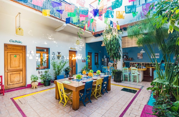 Where to Stay in Oaxaca City: The Best Boutique Hotels in Oaxaca City to Check Into Now (December 2020) / El Diablo y La Sandía Libres / TravelingLamas.com / Photo by @travelinglamas