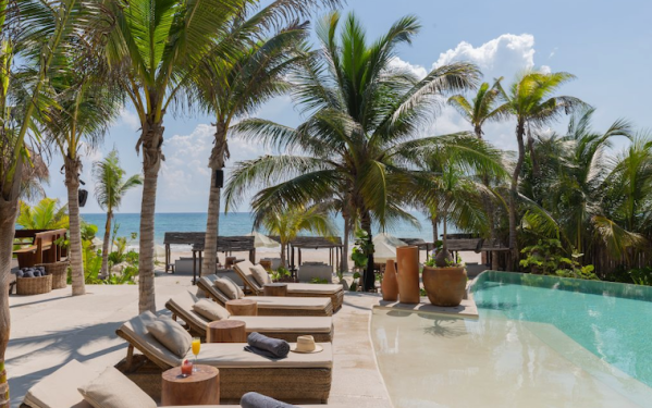 Your Ultimate Guide to Tulum's Best Beach Clubs in 2020 (Post-Lockdown) / TravelingLamas.com / Photo courtesy of Maxanab