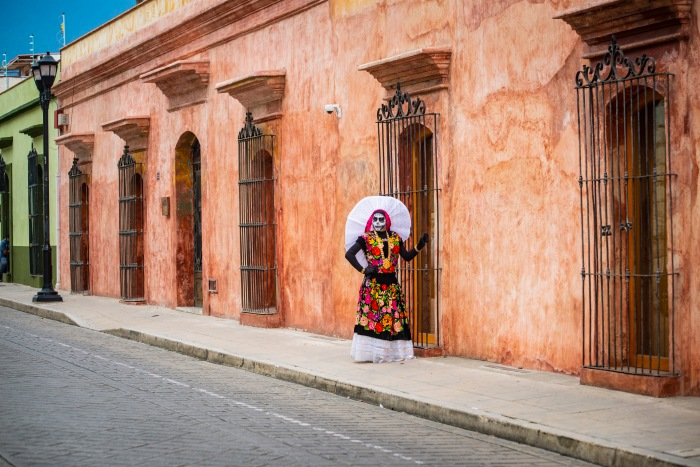 Best Things to Do, Eat & See NOW in Magical Oaxaca City, Mexico (January 2021 / TravelingLamas.com / Photo by @travelinglamasS IN OAXACA