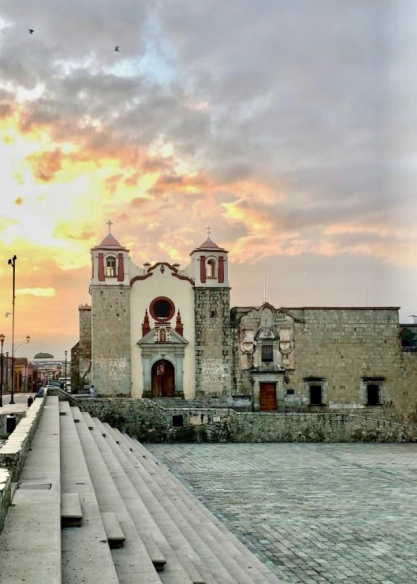 Best Things to Do, Eat & See NOW in Magical Oaxaca City, Mexico (January 2021 / Templo y Ex-Convento de San José in Historic Oaxaca Centro / TravelingLamas.com / Photo by @travelinglamas