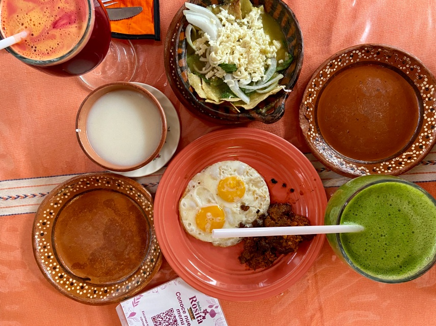 Best Things to Do, Eat & See NOW in Magical Oaxaca City, Mexico (January 2021 / Fonda Rosita Restaurant / TravelingLamas.com / Photo by @travelinglamas