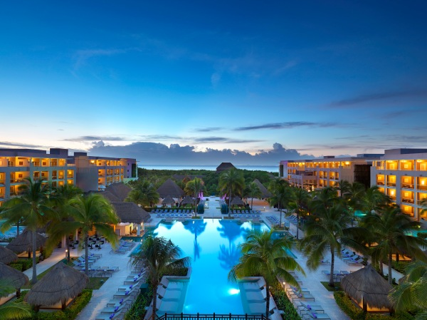 Best Mexican Hotels & Resorts Offering Free Covid Testing AND Quarantine Stays to American Travelers / Photo courtesy of Paradisus Playa Del Carmen