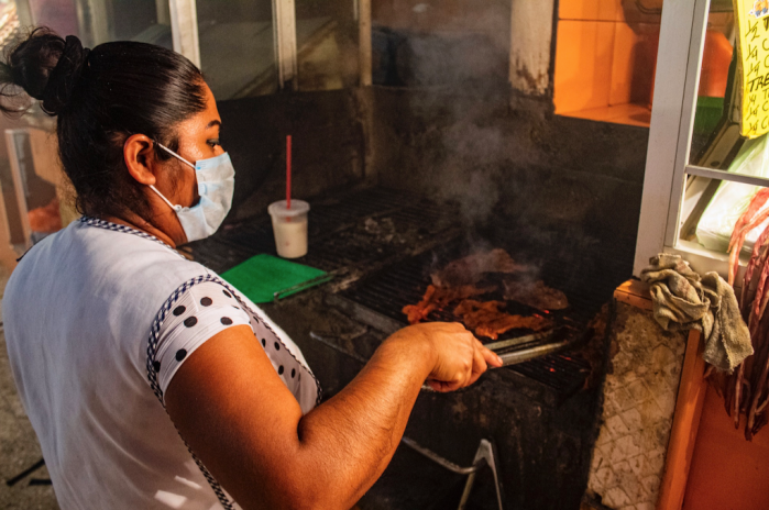 Everything You Need to Know About Visiting Oaxaca's Famed Pasillo de Carnes Asadas (Grilled Meat Hall): A Step-by Step Guide / TravelingLamas.com / Photo by @travelinglamas