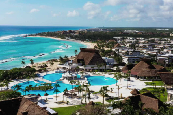 Best Mexican Hotels & Resorts Offering Free Covid Testing AND Quarantine Stays to American Travelers / Photo courtesy of Bahia Principe Hotels & Resorts: Bahia Principe Grand Tulum