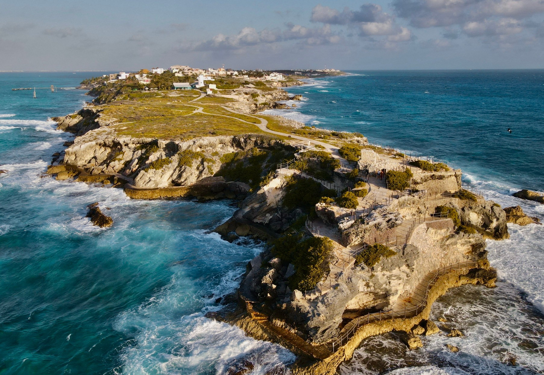 Your Ultimate Travel Guide to Isla Mujeres, Mexico 2021 // Punta Sur // Photo by@travelinglamas