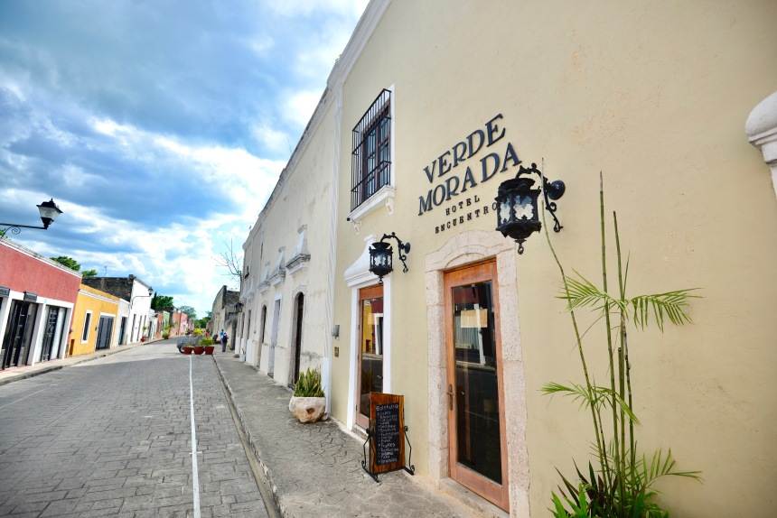 Everything You Need to Know About Visiting Bohemian Valladolid, Yucatán: a 2021 Travel Guide / Verde Morada Boutique Hotel / The Lama List / Photo by TheLamaList.com & @travelinglamas