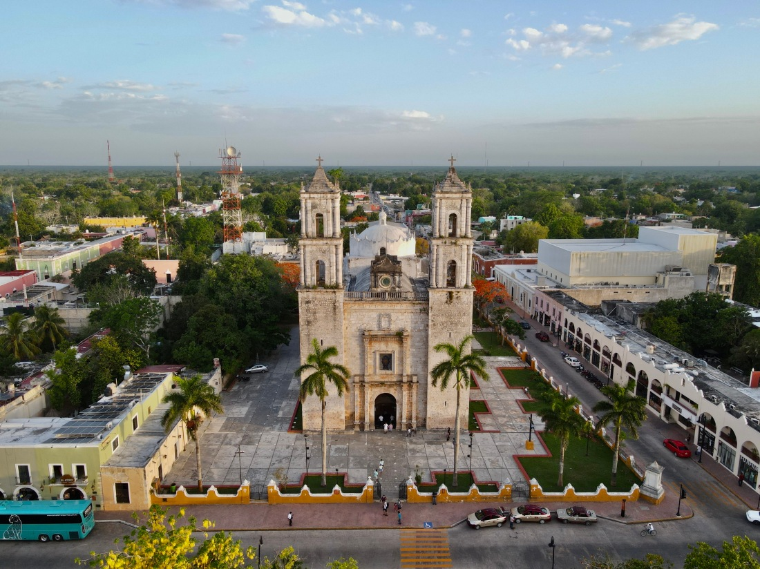 Everything You Need to Know About Visiting Bohemian Valladolid, Yucatán: a 2021 Travel Guide / The Lama List / Photo by TheLamaList.com & @travelinglamas